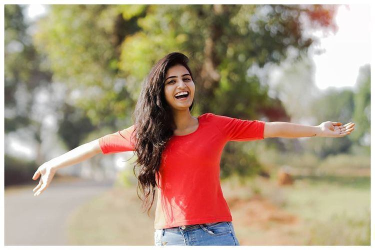 Ananya Nagalla Flaunts Her Belly in Red Color T-Shirt