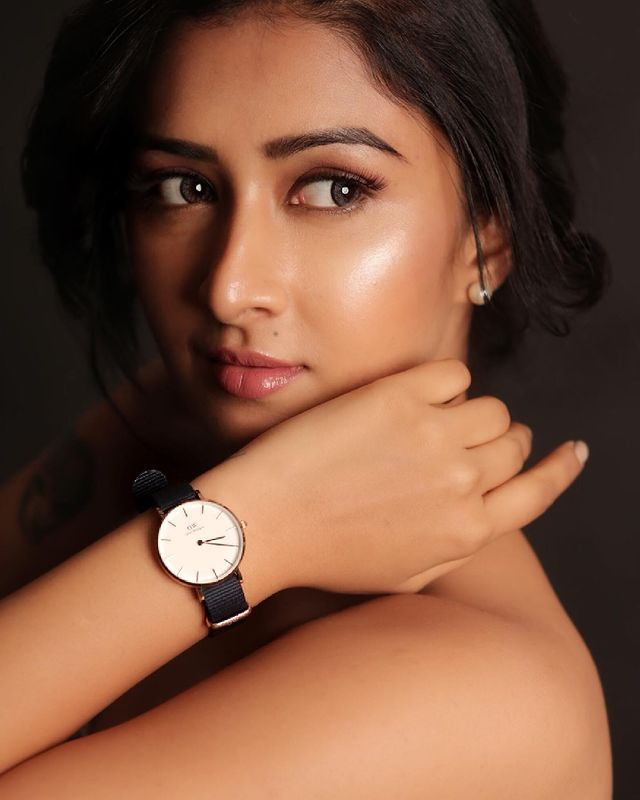 Farnaz Shetty Poses for Hot Picture